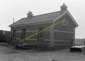 Brynkir Railway Station Photo. Ynys - Pant Glas. Afonwen to Carnarvon. L&NWR (7)