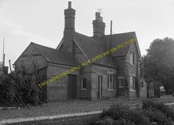Buckden Railway Station Photo. Huntingdon - Grafham. Kimbolton Line. (4)