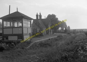 Buckden Railway Station Photo. Huntingdon - Grafham. Kimbolton Line. (8)