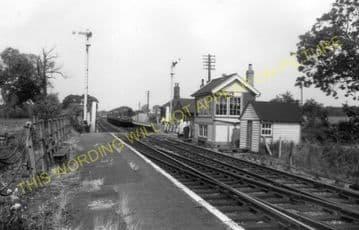 Buckenham Railway Station Photo. Brundall - Cantley. Norwich to Reedham Line (6)