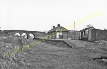 Bungay Railway Station Photo. Earsham - Ditchingham. Tivetshall to Beccles. (4)