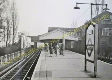 Burnt Oak Underground Railway Station Photo. Edgware - Collindale. (3).