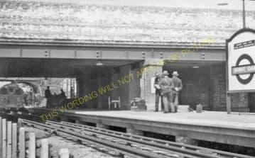 Burnt Oak Underground Railway Station Photo. Edgware - Collindale. (4).