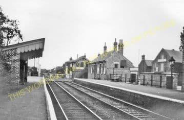 Burston Railway Station Photo. Tivetshall - Mellis. Great Eastern Railway. (2)
