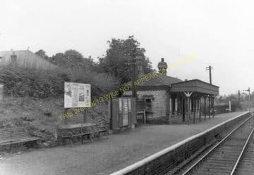 Caergwrle Castle Railway Station Photo. Cefn-y-Bedd - Hope Village. GCR. (11)