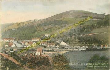Caergwrle Castle Railway Station Photo. Cefn-y-Bedd - Hope Village. GCR. (2)