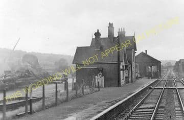 Caerwys Railway Station Photo. Bodfari - Nannerch. Denbigh to Mold Line. (4)