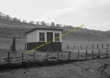 Cambusavie Railway Station Photo. The Mound to Skelbo and Dornoch Line. (1)..