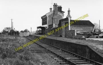 Capel Railway Station Photo. Bentley - Raydon Wood. Hadleigh Line. (1)