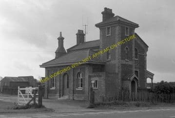 Capel Railway Station Photo. Bentley - Raydon Wood. Hadleigh Line. (3)