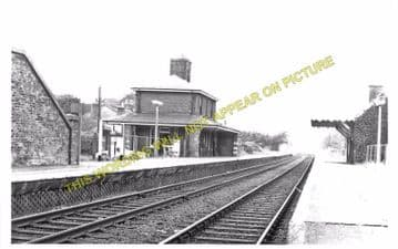 Carlton Colville Railway Station Photo. Oulton Broad South. Lowestoft Line. (4)