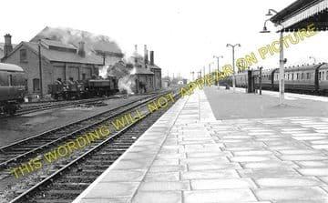 Carmarthen Railway Station Photo. Great Western Railway. (2)