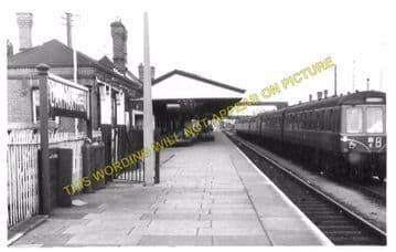 Carmarthen Railway Station Photo. Great Western Railway. (5)