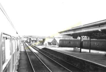 Carmarthen Railway Station Photo. Great Western Railway. (8)