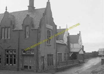 Carnarvon Railway Station Photo. Bangor - Dinas Junction. L&NWR. (11)