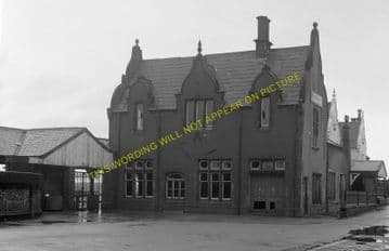 Carnarvon Railway Station Photo. Bangor - Dinas Junction. L&NWR. (14)