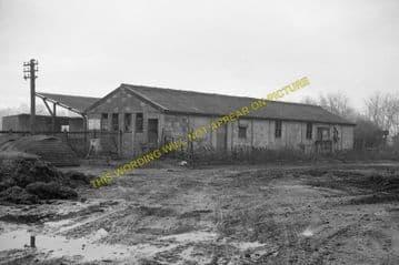 Carterton Railway Station Photo. Alvescot- Bampton. Oxford to Fairford. GWR (10)