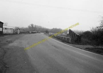 Castle Ashby & Earls Barton Railway Station Photo. Northampton Line. (5)