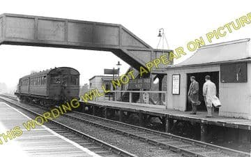 Castle Bar Park Railway Station Photo. West Ealing to Greenford & Perivale. (1)