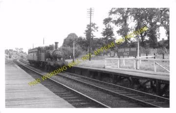 Castle Bar Park Railway Station Photo. West Ealing to Greenford & Perivale. (4).