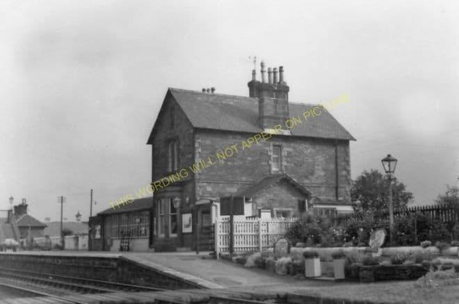 Castle Douglas Railway Station Photo. Dalbeattie - Bridge of Dee. (8)