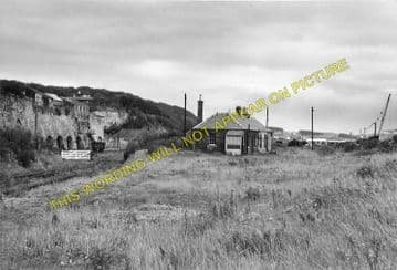 Charlestown Railway Station Photo. Braeside and Dunfermline Line. NBR. (3)