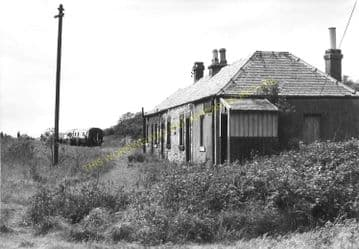Charlestown Railway Station Photo. Braeside and Dunfermline Line. NBR. (5)
