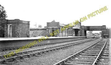 Charwelton Railway Station Photo. Woodford & Hinton - Braunston & Willoughby (1)