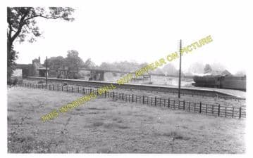 Charwelton Railway Station Photo. Woodford & Hinton - Braunston & Willoughby (2)