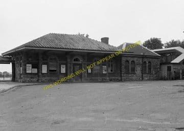 Chepstow Railway Station Photo. Portskewett to Tidenham and Woolaston Lines. (7)