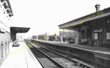 Cholsey & Moulsford Railway Station Photo. Goring - Didcot Line. (6)