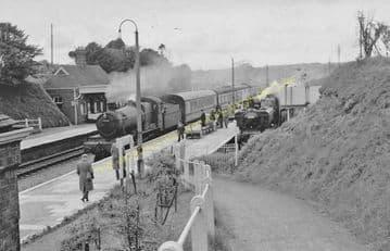 Clarbeston Road Railway Station Photo. Clynderwen to Haverfordwest. (10)