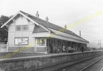 Connel Ferry Railway Station Photo. Taynuilt to Oban and Benderloch Lines. (10)