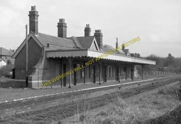 Corton Railway Station Photo. Lowestoft - Hopton. Great Yarmouth Line. (4)