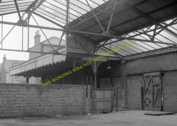 Cowes Railway Station Photo. Newport Line. Isle of Wight. (19)