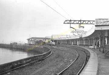 Craigendoran Railway Station Photo. Cardross-  Helensborough. Dumbarton Line (5)