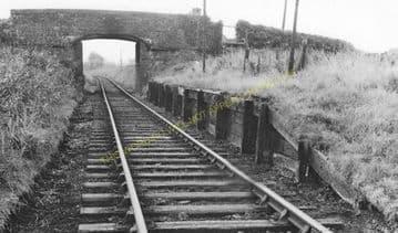 Craiglon Bridge Railway Station Photo. Pembrey - Pinged. Burry Port Line. (2)