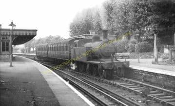 Cranley Gardens Railway Station Photo. Highgate - Muswell Hill. GNR. (13)