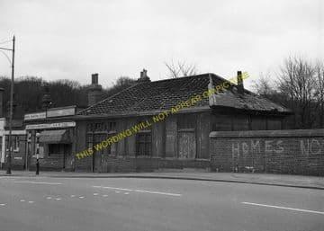 Cranley Gardens Railway Station Photo. Highgate - Muswell Hill. GNR. (3)