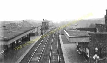 Croy Railway Station Photo. Dullatur - Gartshore. Lenzie Line. (1)