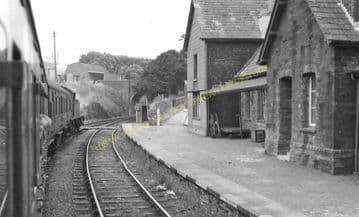 Crymmych Arms Railway Station Photo. Glogue - Boncath. Whitland to Cardigan. (10)