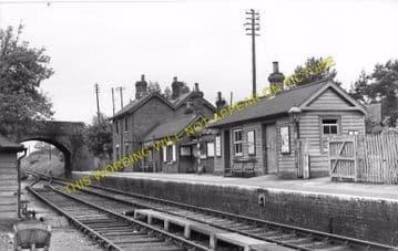 Daggons Road Railway Station Photo. Verwood - Fordingbridge. West Moors Line (7)