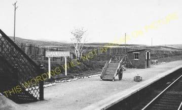 Dalwhinnie Railway Station Photo. Dalnaspidal - Newtonmore. Highland Railway (4)