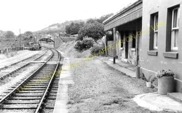 Derwen Railway Station Photo. Corwen - Nantclwyd. Denbigh Line. L&NWR. (1)..