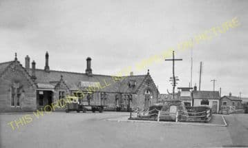 Dingwall Railway Station Photo. Conon to Foulis and Achterneed Lines. (10)