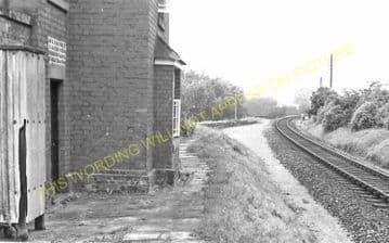 Dinmore Railway Station Photo. Moreton-on-Lugg - Ford Bridge. Hereford Line. (3)