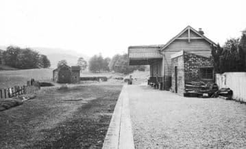 Dolphinton Railway Station Photo. Dunsyre - Broomlee. North British Railway (3)