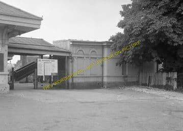 Dorchester West Railway Station Photo. Grimstone & Frampton Line. GWR. (20)