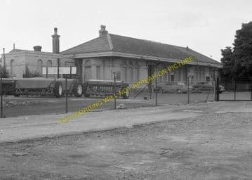 Dorchester West Railway Station Photo. Grimstone & Frampton Line. GWR. (21)