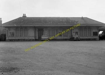 Dorchester West Railway Station Photo. Grimstone & Frampton Line. GWR. (23)